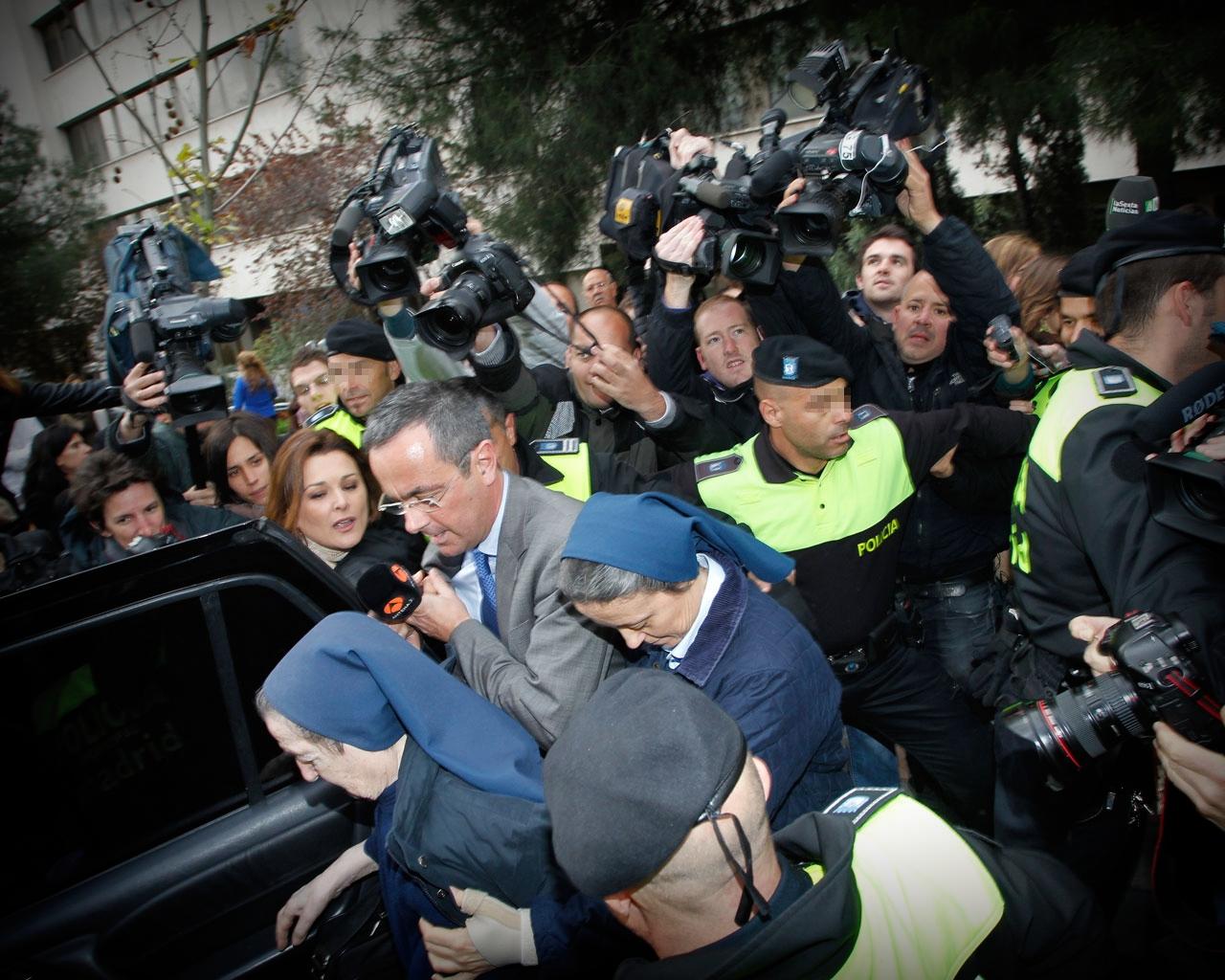 Sor María sale de los Juzgados de Plaza de Castilla tras declarar por el caso de los bebés robados.